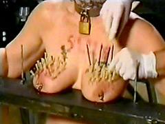 【エロ動画】刺乳感痛のエロ画像