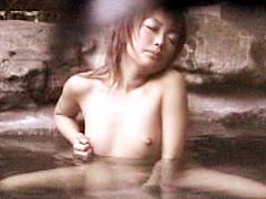 極秘盗撮 露天風呂オナニー6