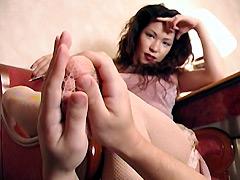 足フェチバーチャル特集 舌奴隷 美脚の洗礼