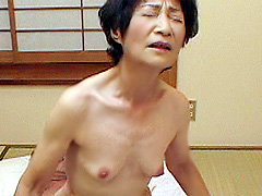 【エロ動画】六十路近親相姦中出し親子 ヨネ 亜美のエロ画像