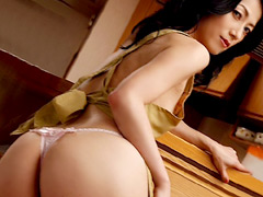 【エロ動画】卑猥な母の下着 七海ひさ代 小田切胡桃の人妻・熟女エロ画像