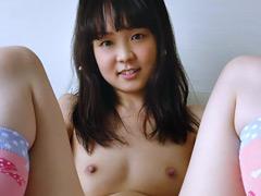 貧乳×パイパンロリ美少女 かのこちゃん初めてのAV撮影