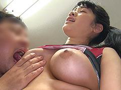 巨乳バレーボール女子大生