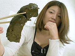 姉さんの巨大なイカスミ糞