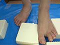 倉科ちゃんの豆腐ラッシュ 裸足