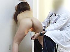 恥辱の婦人科初診。モロ見せ映像採録