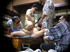 忘年会で部下の妻を強制裸踊り後に輪姦したビデオ5