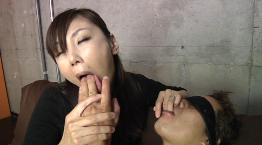 積極ベロキス 女性上位でジュルジュルべろべろ舌を絡ませ合う