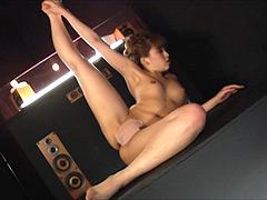 ダンス:超開脚・股割り・ブリッジ etc… 全裸 軟体ダンス