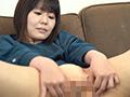 前貼りを自分で貼ってお尻の穴を見せてあげる長谷部智美