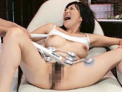 【エロ動画】美巨乳人妻 電流マッサージ2のエロ画像