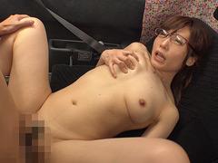 【エロ動画】優しい人妻さんがセンズリ絶倫男子の射精お手伝い!のエロ画像