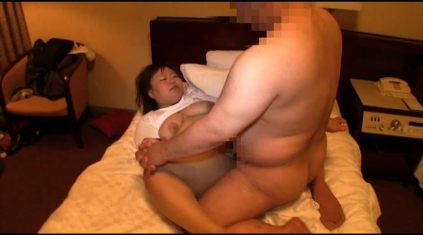 レイヤー経験豊富な20歳の淫乱人妻とハメまくりの1泊2日