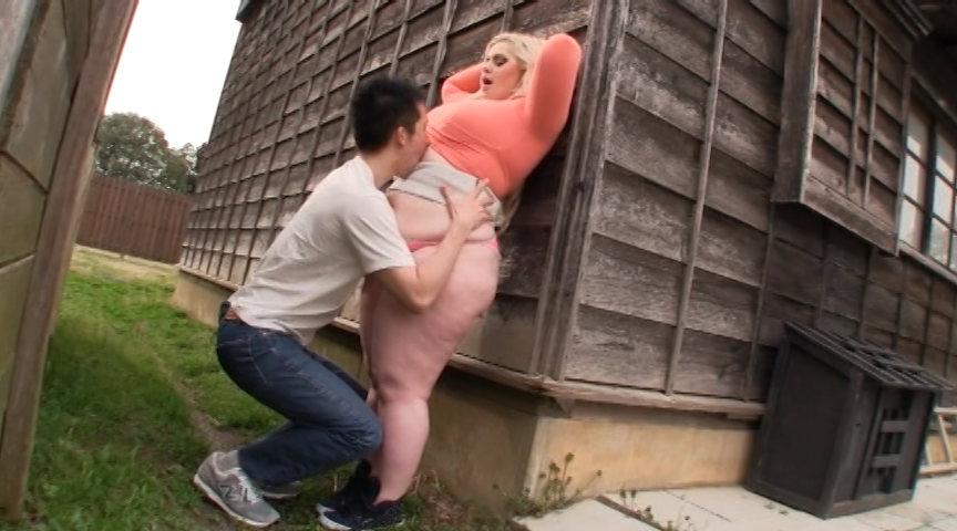 レイヤー女肉まみれの爆尻夏休み でか尻に圧倒圧迫の肉欲日記