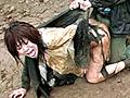 千夏は銀行からの帰り道、何者かに襲われ気を失う