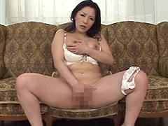 【エロ動画】美熟女「浅倉彩音」のものスゴイオナニー見て下さいのエロ画像