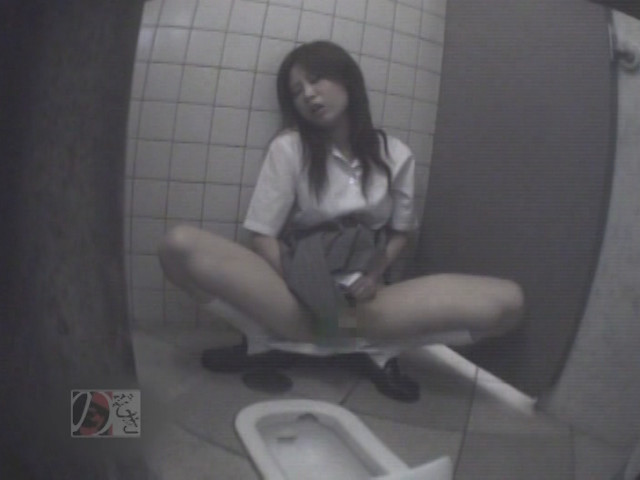 盗撮!女子校生の公衆トイレ制服オナニーDX ~偶然撮られた映像に興奮~ の画像7