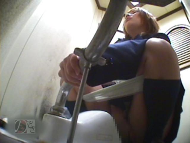 盗撮!女子校生の公衆トイレ制服オナニーDX ~偶然撮られた映像に興奮~ の画像15