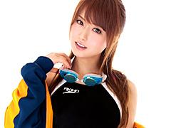 【エロ動画】吉沢明歩×競泳水着=7PLAYのエロ画像