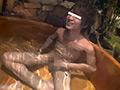 露天風呂でアナルSEX!隣の客に喘ぎ...