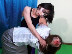 ゾンビキャットファイト ~死んでも闘う女性たち~-【辱め】