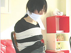 【エロ動画】OLクロロホルム誘拐のエロ画像