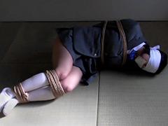 【エロ動画】監禁部屋でいたずらのエロ画像