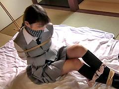 【エロ動画】ブレザー少女緊縛レイプのエロ画像