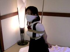 【エロ動画】吊りスカセーラー少女のエロ画像