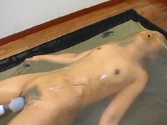 【エロ動画】バキュームベッド 〜顔面圧縮&窒息〜のエロ画像