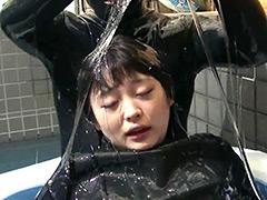 超ぬるぬるローションプールラバープレイ!!!