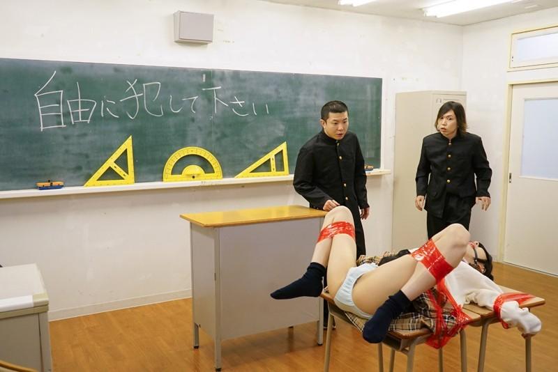 図書委員の彼女が脳筋体育教師に寝取られた。有坂深雪