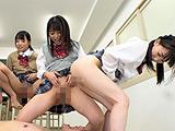 集団聖水リンチ!女子○生のトイレにされた僕!