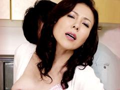 【エロ動画】隣の奥様 夫は単身赴任中 三咲恭子のエロ画像
