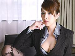 【エロ動画】調教された高慢女社長 結城みさの人妻・熟女エロ画像