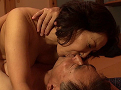 中高年夫婦が再び燃え上がる接吻と絡み合う性交 BEST30