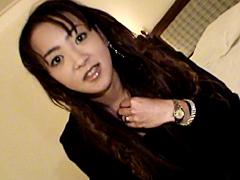 【エロ動画】初体験!!初めてアナルSEX放尿しちゃいました…のエロ画像