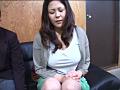 万引きした息子の前で謝りながらイカされるママ 9