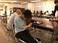 大学の学食で恥ずかしいほどイキ反りする軟体女子大生 16