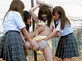 仲良し女子校生4人組のイチャつき凌辱ごっこ