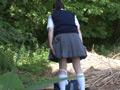 尻肉を掴まれ後ろから即ハメされた女子校生 3