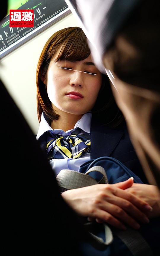 痴漢師に満員電車の中で下着姿にされ抵抗できない女2