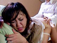 【エロ動画】父の入浴中に息子にイカされる母のエロ画像