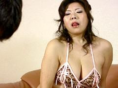 【エロ動画】妖艶豊満マダムに完全征服されたボク…のエロ画像