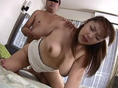 【エロ動画】枕営業熟女がこっそりヤラせてくれたの人妻・熟女エロ画像