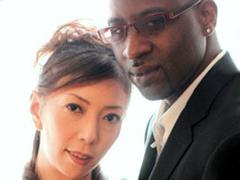 【エロ動画】エスコート 初浮気は外国人 真夜44歳の人妻・熟女エロ画像