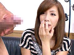 【エロ動画】欲求不満の人妻に勃起チンポを見せるとどうなる!?の人妻・熟女エロ画像