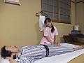 某温泉旅館 センズリを見る按摩師たち5のサムネイルエロ画像No.8