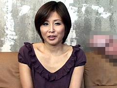 【エロ動画】欲求不満の人妻に勃起チンポを見せるとどうなる!?2のエロ画像