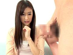 【エロ動画】勃起したチ○ポを見せつけられて興奮しちゃった素人娘4のエロ画像